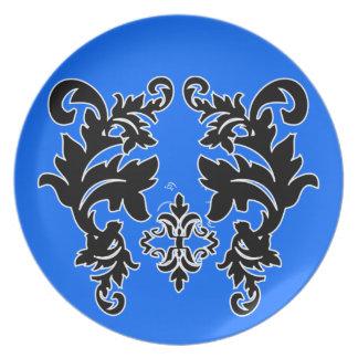 Placas azules brillantes blancos y negros del platos para fiestas