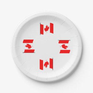Placas de papel de la bandera canadiense que platos de papel