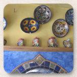 Placas y cerámica mexicanas de la cocina posavaso