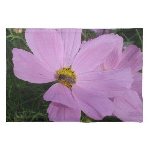 Placemat: Abeja en la flor rosada Mantel