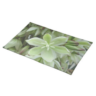 Placemat - Yucca Flower