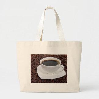 Placer de la carne asada de la taza de café bolsas