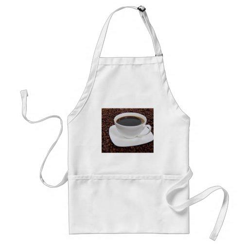 Placer de la carne asada de la taza de café delantal