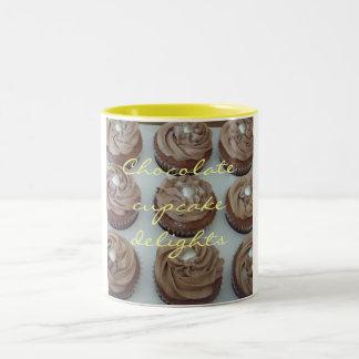 Placeres de la magdalena del chocolate taza de café de dos colores