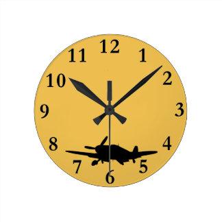 Plane silouette round clock