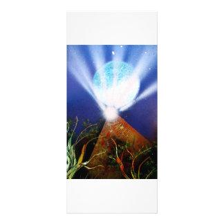 Planeta azul de la pirámide n con la pintura a pis plantillas de lonas