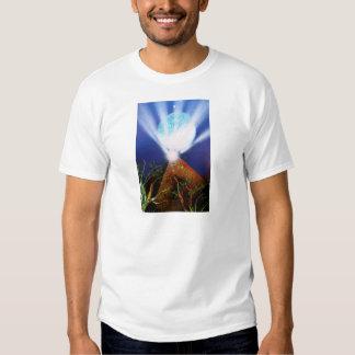 Planeta azul de la pirámide n con la pintura a playeras