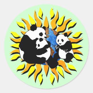 Planeta de la panda pegatina redonda