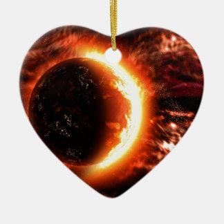 Planeta en el fuego - imagen caliente adorno navideño de cerámica en forma de corazón