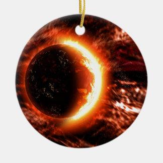 Planeta en el fuego - imagen caliente adorno navideño redondo de cerámica