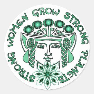 Planeta fuerte de las mujeres fuertes pegatina redonda