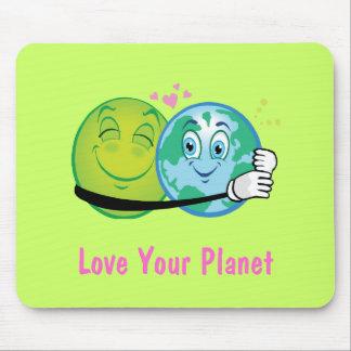 Planeta verde sonriente tapetes de ratones