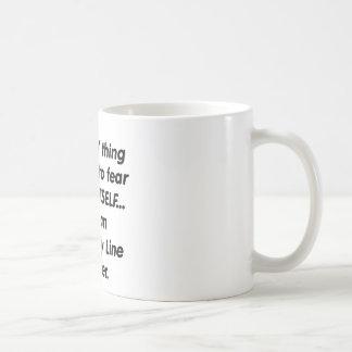 planta de fabricación del miedo trabajador taza de café