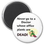 Plantas muertas imán para frigorífico
