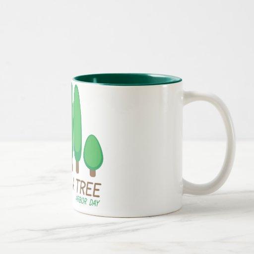 Plante un árbol - día del árbol taza dos tonos