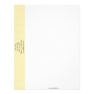 Plantilla amarilla del papel con membrete del membrete personalizado