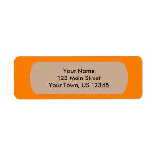 Plantilla anaranjada a las imágenes y al texto etiqueta de remite