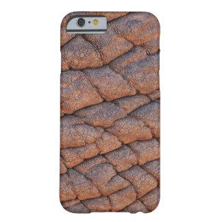 Plantilla arrugada de la textura de la piel del funda de iPhone 6 barely there