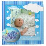 Plantilla azul de la foto de las nubes y de las ra servilleta imprimida