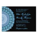 Plantilla azul del boda de la rueda de margarita invitaciones personales