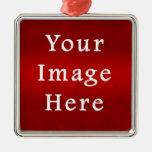 Plantilla carmesí roja del color del pergamino del ornamente de reyes