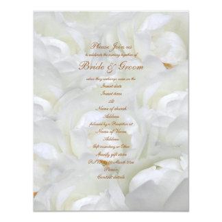Plantilla color de rosa elegante de la invitación
