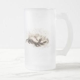 Plantilla de la colmena de la abeja del tejón de taza de cristal