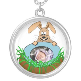 Plantilla de la foto de la invitación del bebé del collar personalizado