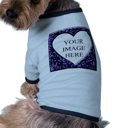 Plantilla de mármol azul con la abertura del coraz ropa perro