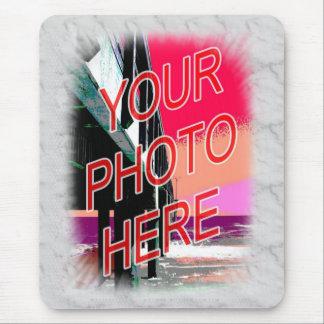 Plantilla de mármol blanca del marco de la foto tapetes de ratón