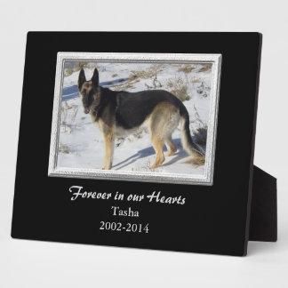 Plantilla de plata negra del monumento del mascota placas de madera