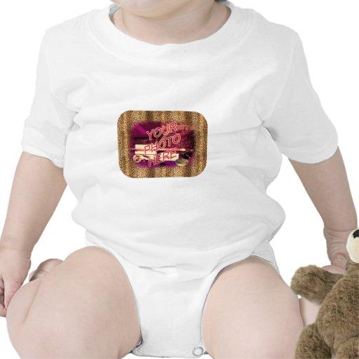Plantilla del marco del leopardo trajes de bebé
