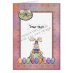Plantilla - diseño de Pascua con el conejito y los Felicitación