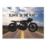 Plantilla fresca del vintage de la motocicleta del postal