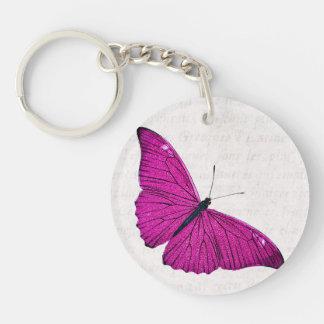 Plantilla fucsia de la mariposa de las rosas llavero redondo acrílico a una cara
