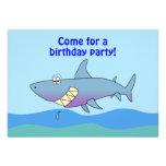 Plantilla linda de las invitaciones del cumpleaños