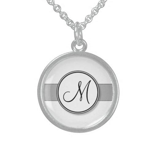 Plantilla partida del sello del monograma del pers collares de plata esterlina