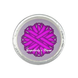 Plantilla púrpura de la cinta de la flor anillo con foto