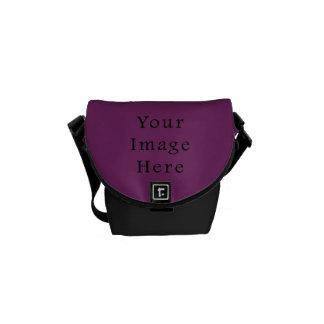Plantilla púrpura magenta del espacio en blanco de bolsas de mensajería