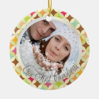 Plantilla retra de la foto de los diamantes de adorno navideño redondo de cerámica