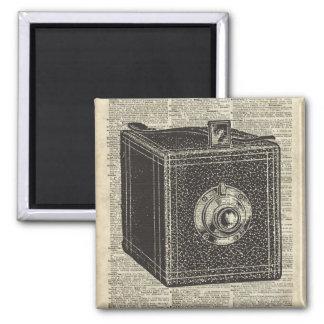 Plantilla retra vieja de la cámara del cubo sobre imán cuadrado