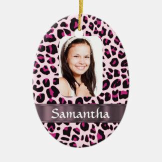 Plantilla rosada de la foto del estampado leopardo adorno ovalado de cerámica