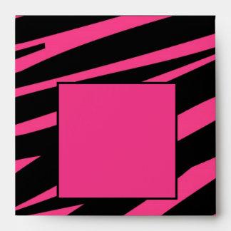 Plantilla rosada negra del sobre del estampado de