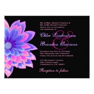 Plantilla rosada y púrpura del boda de la margarit invitación