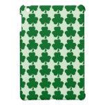 Plantilla verde y blanca del modelo del trébol iPad mini protectores
