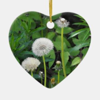 Plantilla vertical adorno navideño de cerámica en forma de corazón