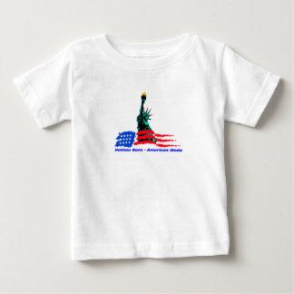 Plantilla vertical de la camiseta infantil - camisas