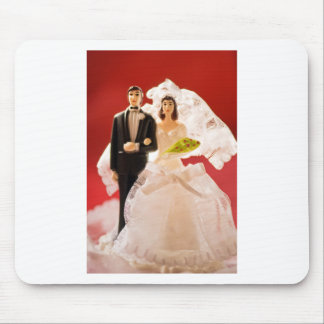 Plastic Bride And Groom Wedding Cake Mouse Pad