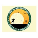 Plástico del putt en su lugar tarjeta postal
