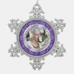 Plata conmemorativa de la púrpura del navidad de l adorno